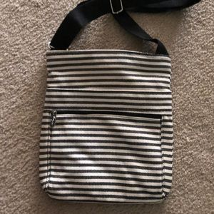 Thirty one cross body bag